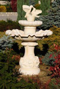 Fontanny - fontanna napoli z gol¦ůbkami